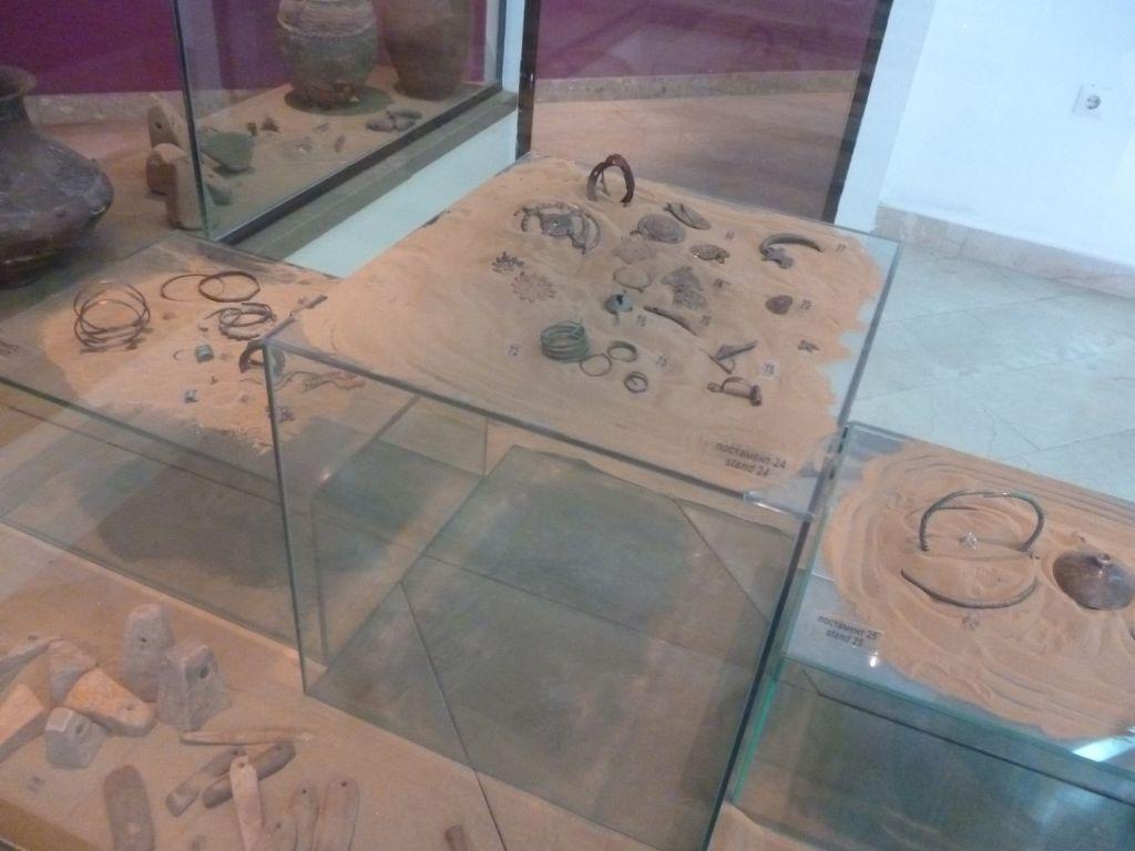 Экспонаты археологической коллекции. Фото: Елена Арсениевич, CC BY-SA 3.0