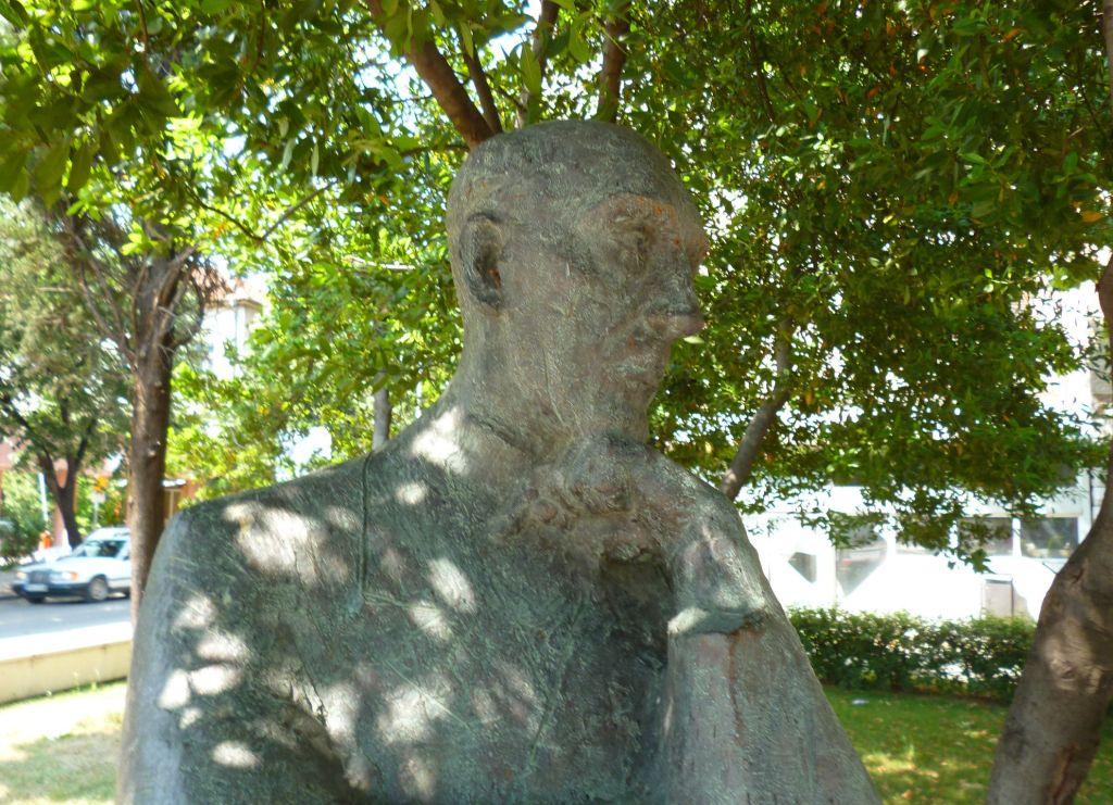 Памятник Владимиру Прелогу, автор Зоран Юрич. Фото: Елена Арсениевич, CC BY-SA 3.0