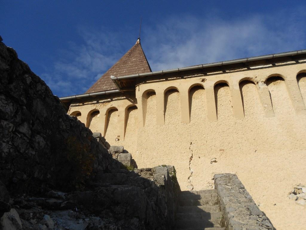 Фрагмент западного бастиона. Фото: Елена Арсениевич, CC BY-SA 3.0