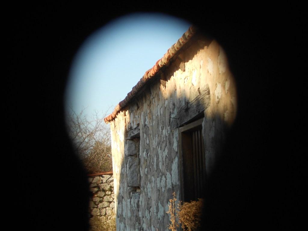 Внутрь не попасть: подсматриваем в замочную скважину. Фото: Елена Арсениевич, CC BY-SA 3.0