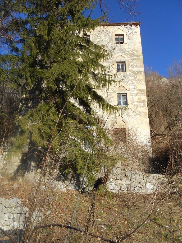 Ещё несколько десятилетий назад башня была жилой. Фото: Елена Арсениевич, CC BY-SA 3.0