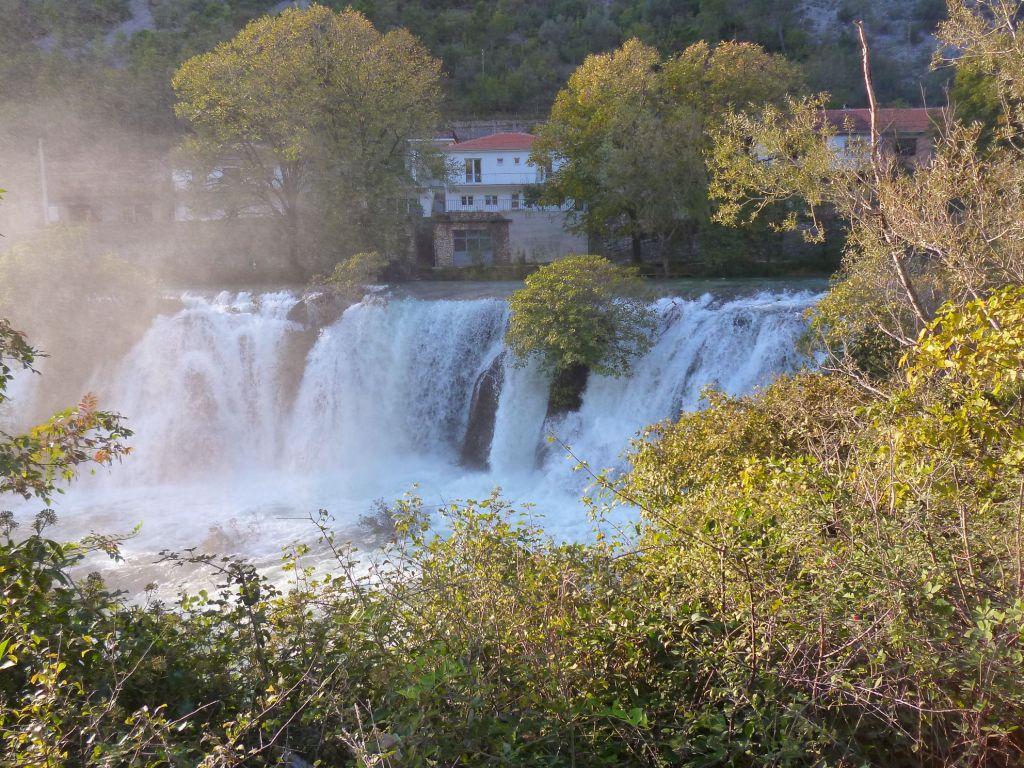 Водопад Провалие осенью. Фото: Елена Арсениевич, CC BY-SA 3.0