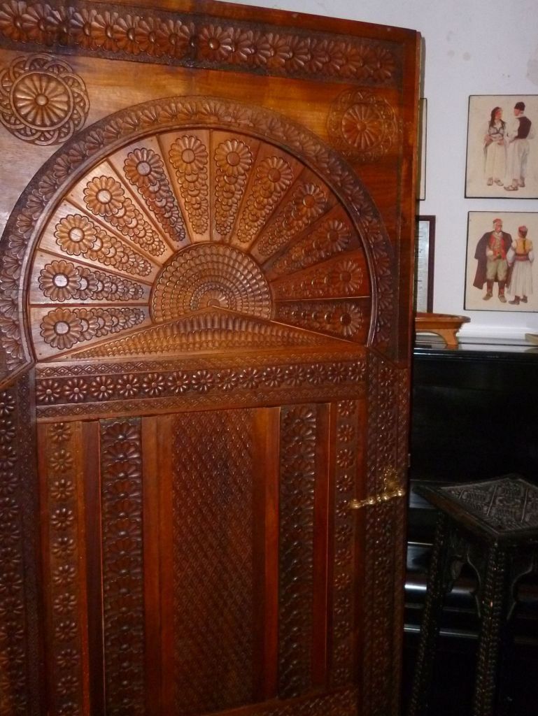 Дверь в комнату, полную чудес. Фото: Елена Арсениевич, CC BY-SA 3.0