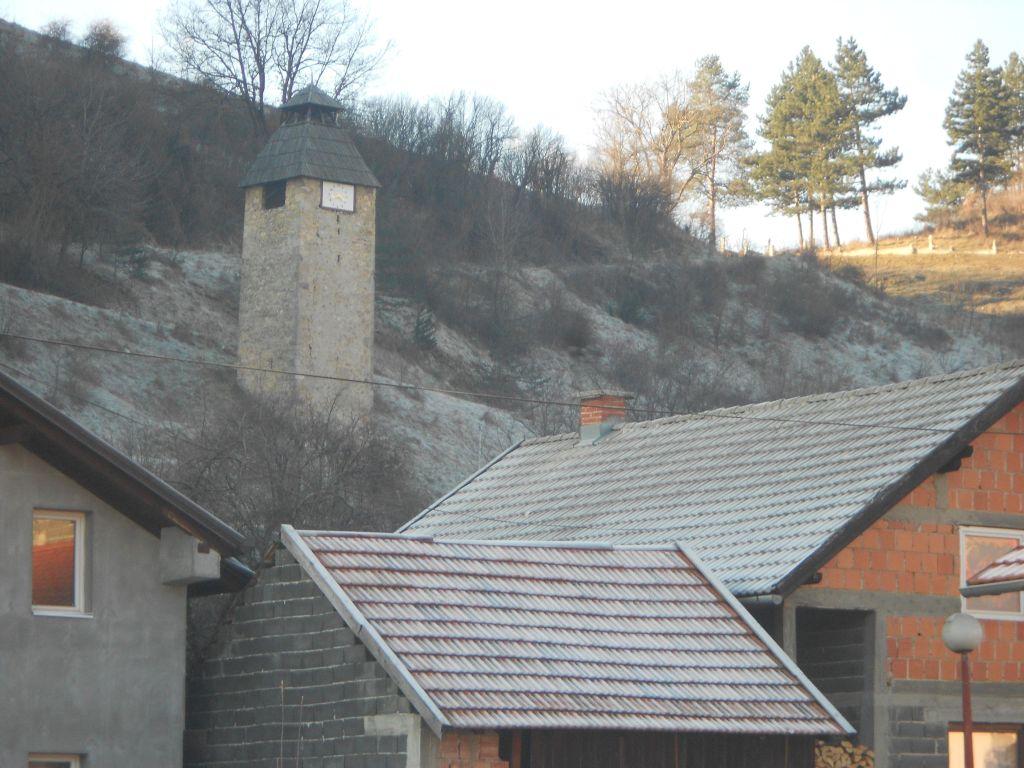 Часовая башня. Зима. Горни Вакуф. Фото: Елена Арсениевич, CC BY-SA 3.0
