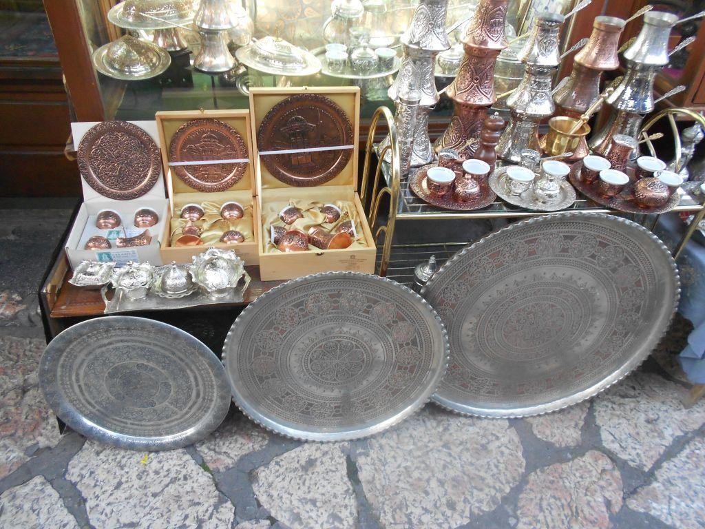 Демирлии на продажу. Улица Казанджилук. Сараево. Фото: Елена Арсениевич, CC BY-SA 3.0