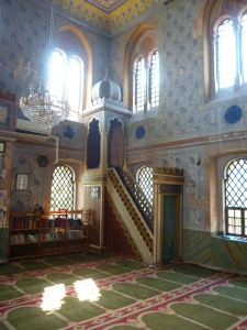 Минбар в Шареной мечети. Фото: Елена Арсениевич, CC BY-SA 3.0