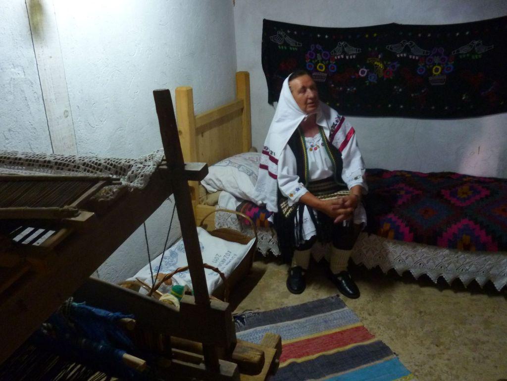 Жительница Пискавицы рассказывает о традициях. Фото: Елена Арсениевич, CC BY-SA 3.0