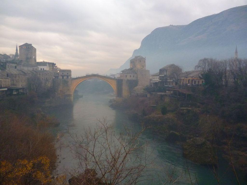 Старый мост в зимней дымке. Фото: Елена Арсениевич, CC BY-SA 3.0