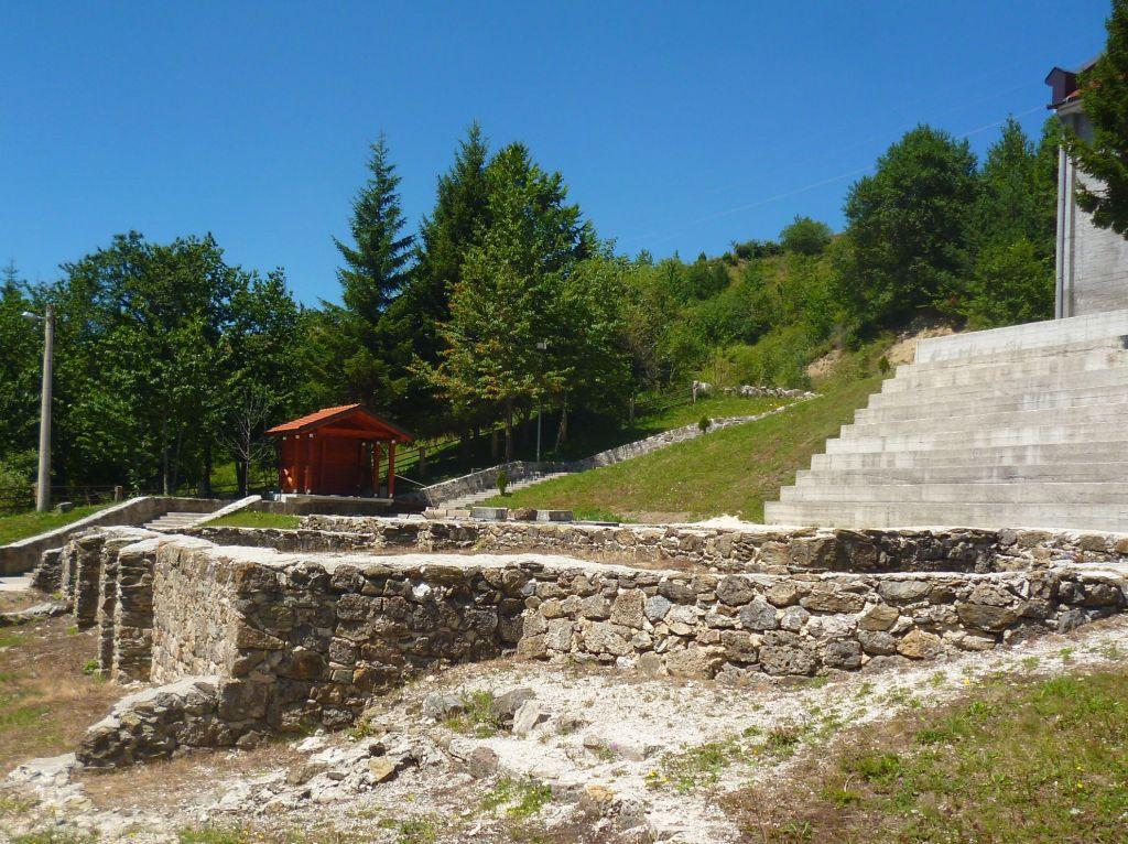 Археологический парк в Отиновцах на Купрешком поле. Фото: Елена Арсениевич, CC BY-SA 3.0