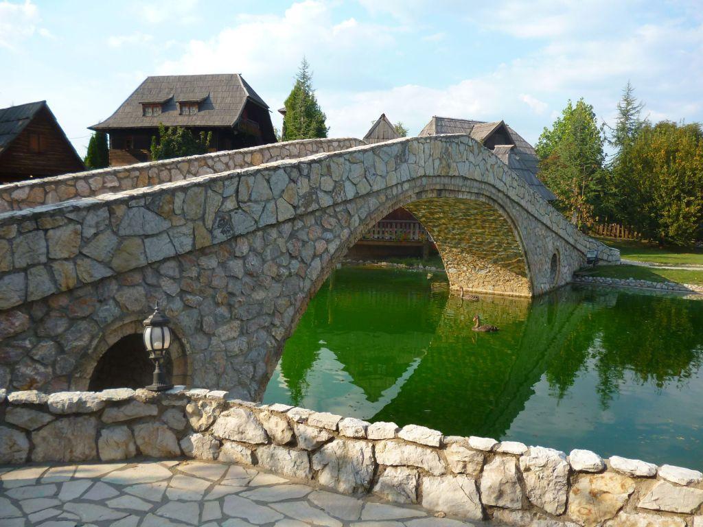Реплика моста Козья чуприя. Фото: Елена Арсениевич, CC BY-SA 3.0