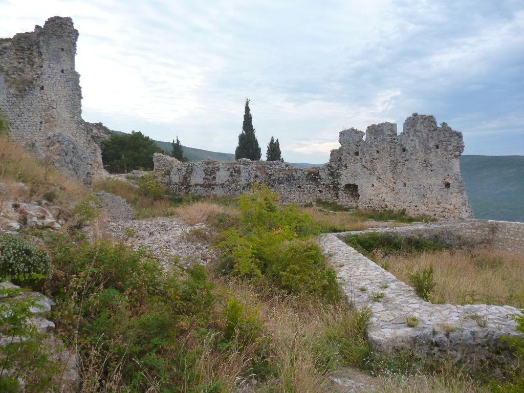 Остатки крепости. Фото: Елена Арсениевич, CC BY-SA 3.0