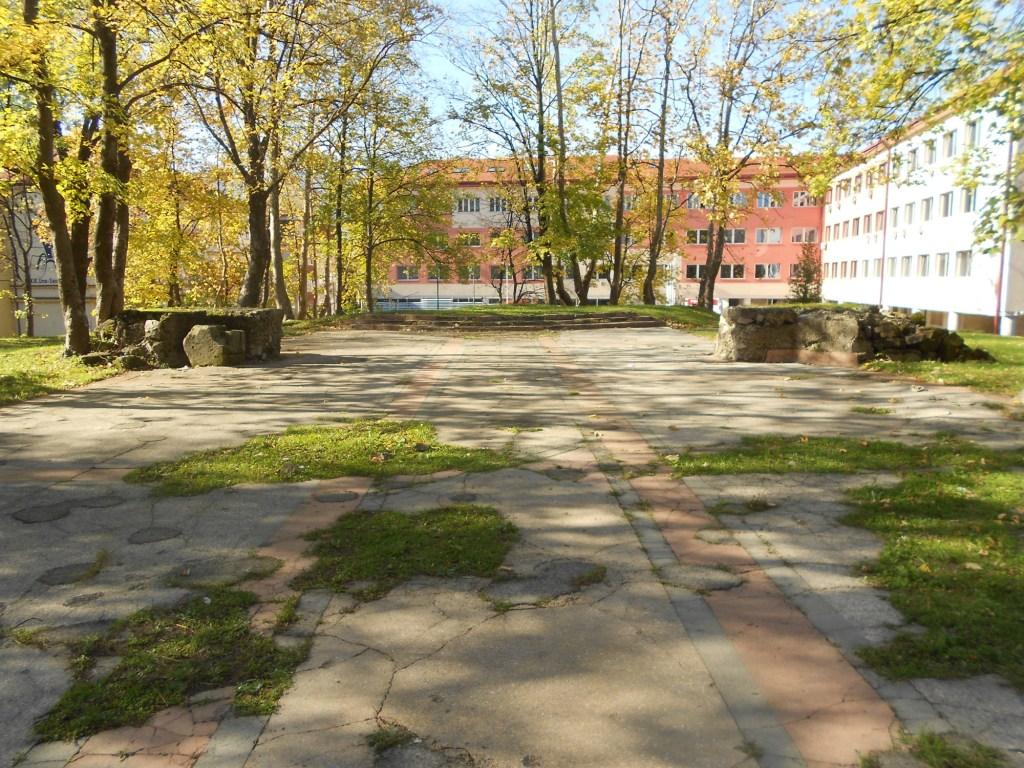 Возвышение вглубине - бывший алтарь. Фото: Елена Арсениевич, CC BY-SA 3.0