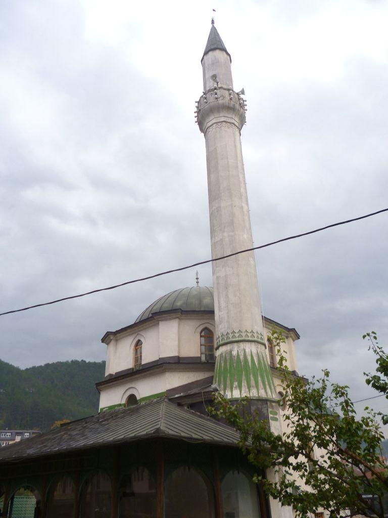 Высота минарета 36 метров. Фото: Елена Арсениевич, CC BY-SA 3.0