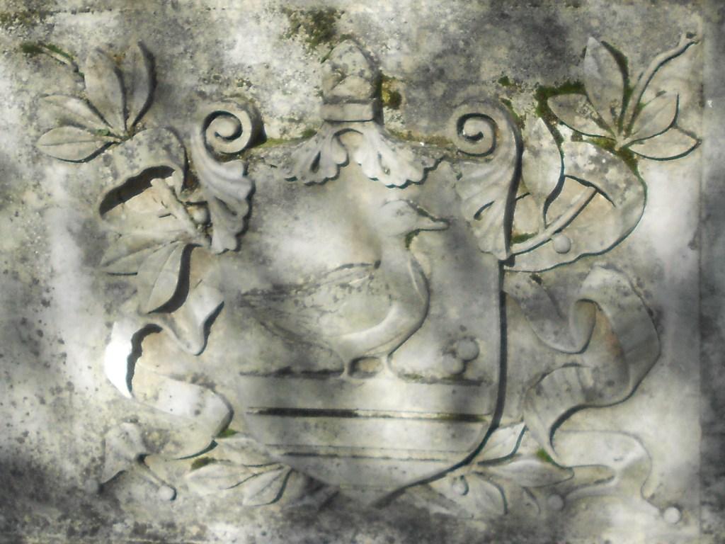 Герб с надгробия Ивана Изачича. Фото: Елена Арсениевич, CC BY-SA 3.0