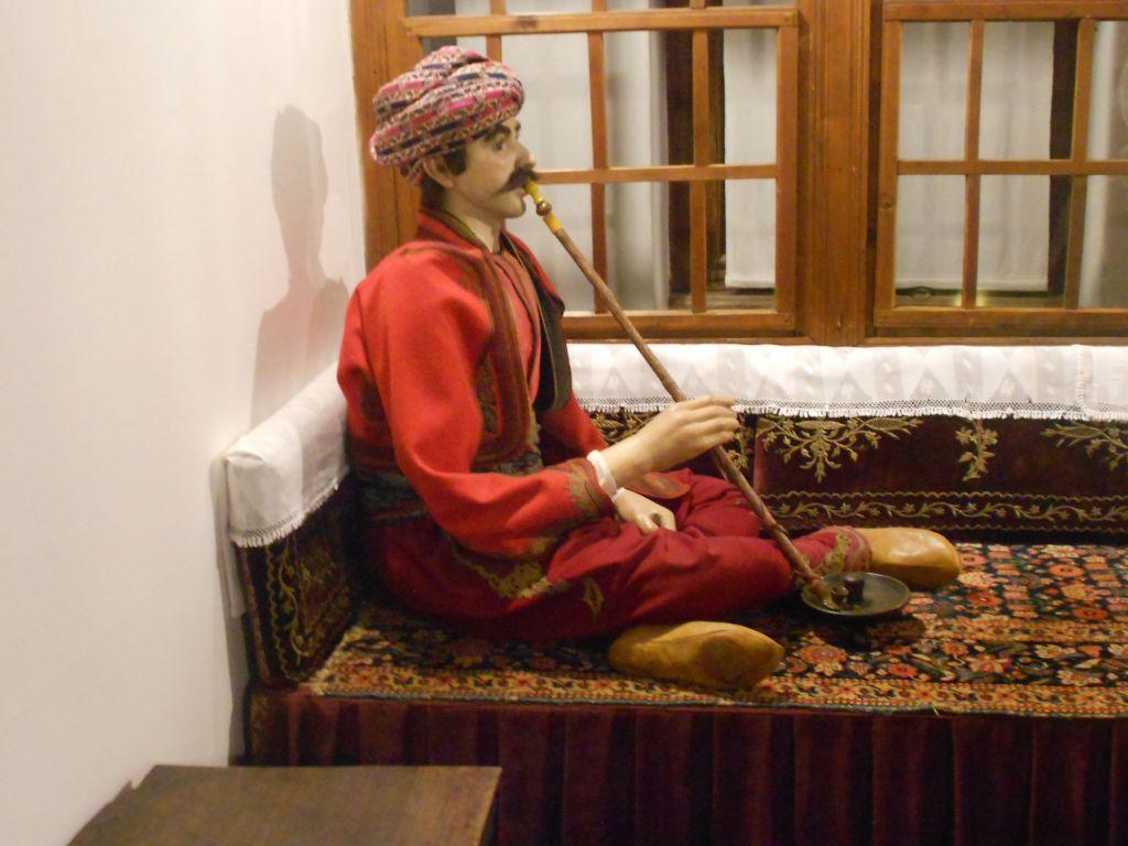 Бег с чибуком. Земальский музей в Сараево. Фото: Елена Арсениевич, CC BY-SA 3.0