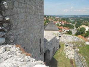 Крепостные стены. Фото: Елена Арсениевич, CC BY-SA 3.0