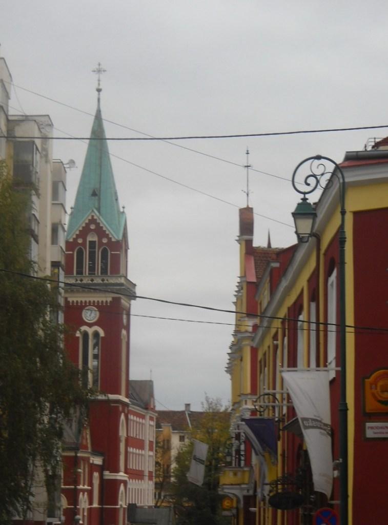 Франьевачка улица: церковь св. Анте и сараевская пивоварня. Фото: Елена Арсениевич, CC BY-SA 3.0