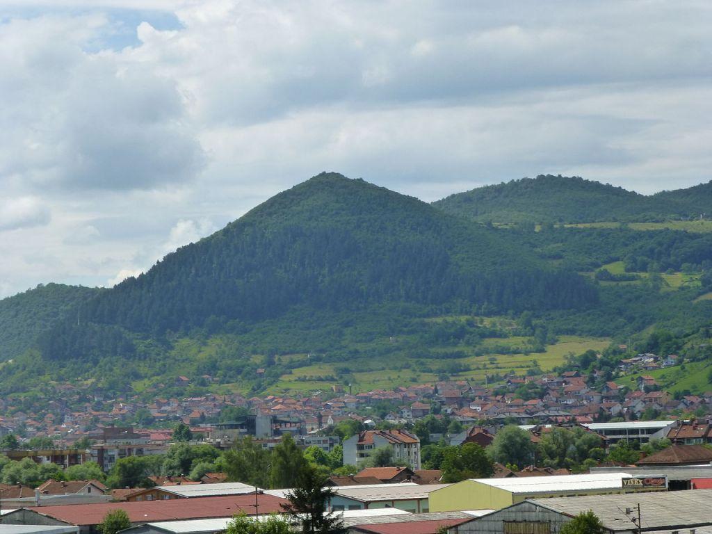 Гора Височица, во времена Гильфердинга никто не подозревал в ней пирамиду. TheBIHLover, CC BY-SA 4.0