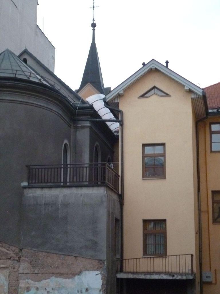 Церковь св. Винко Паульского, вид со двора. Фото: Елена Арсениевич, CC BY-SA 3.0