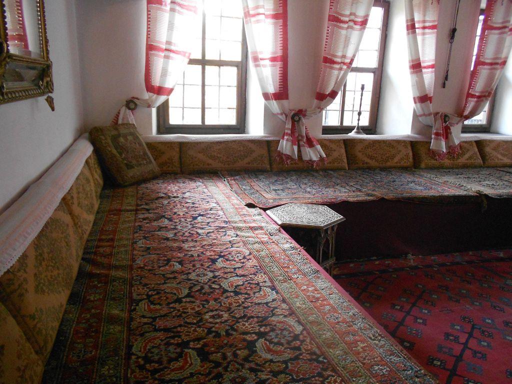 Парадная комната для приёма гостей. Дом Сврзо. Сараево. Фото: Елена Арсениевич, CC BY-SA 3.0