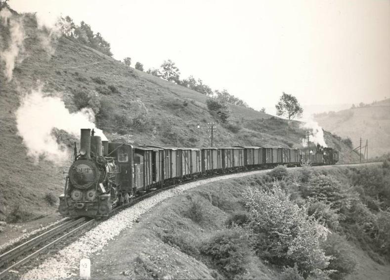 Поезд с паровым локомотивом. Автор неизвестен, public domain