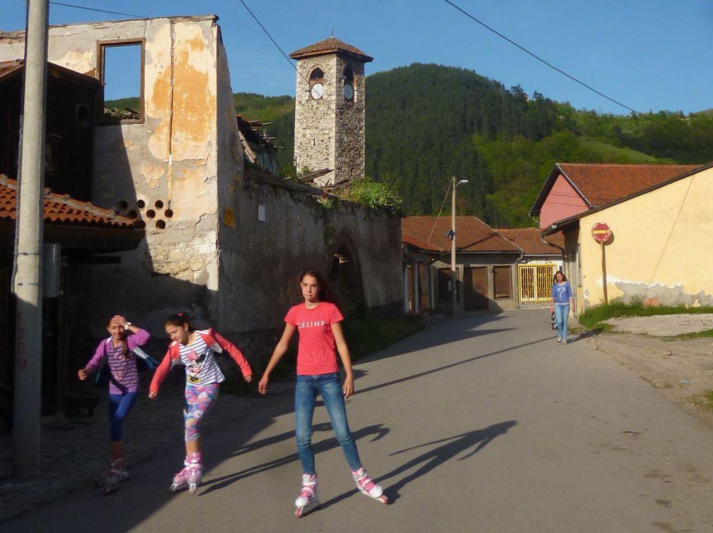 Юные фочанки. Фото: Елена Арсениевич, CC BY-SA 3.0