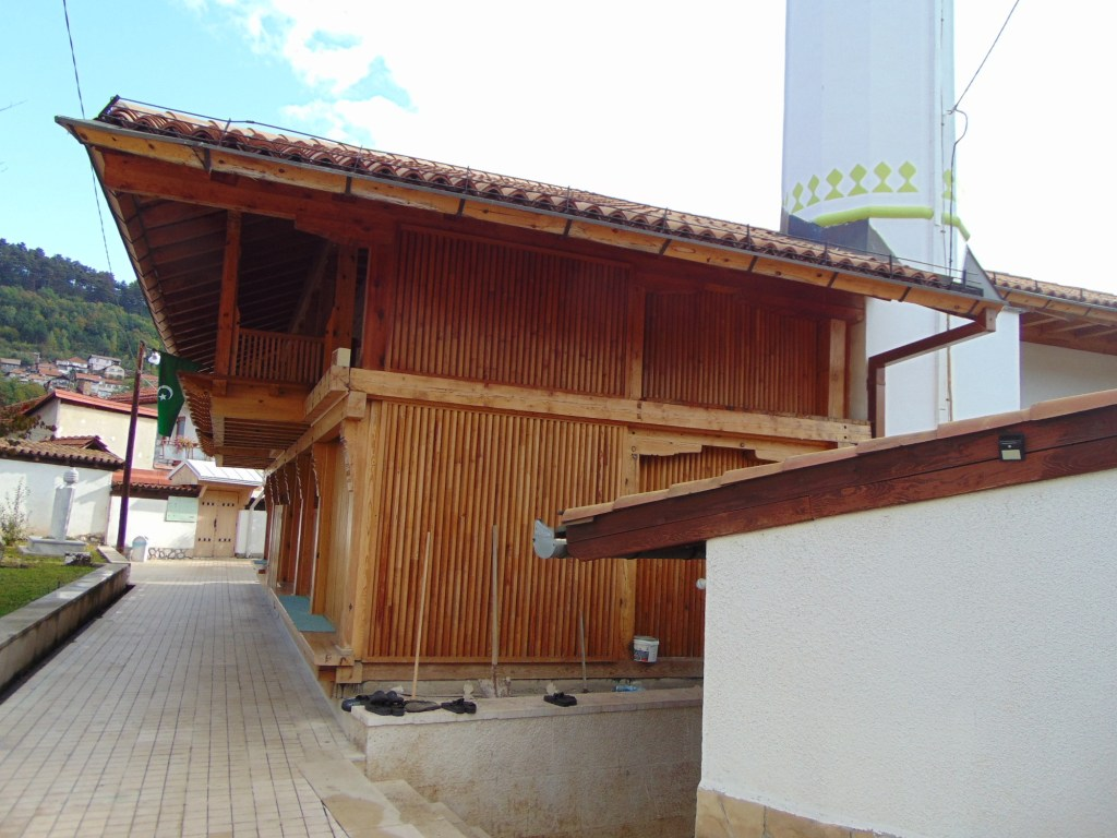 Мечеть Диван-хатиба, то есть государственного секретаря. Фото: Елена Арсениевич, CC BY-SA 3.0