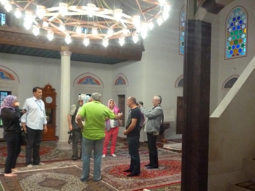 Экскурсия в мечети. Фото: Елена Арсениевич, CC BY-SA 3.0