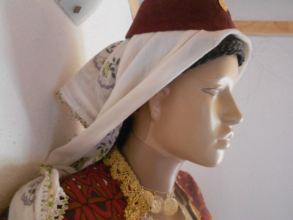 Женщина в шамии. Фото: Елена Арсениевич, CC BY-SA 3.0