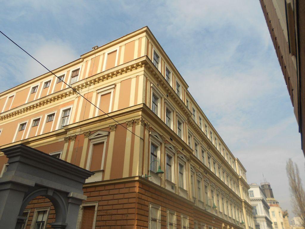 Здание первой гимназии. Фото: Елена Арсениевич, CC BY-SA 3.0
