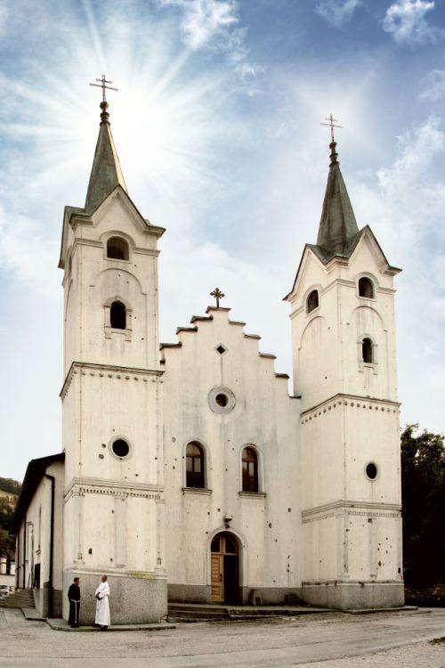 Католическая церковь в Долаце. Ibistudio ibis, CC BY-SA 4.0