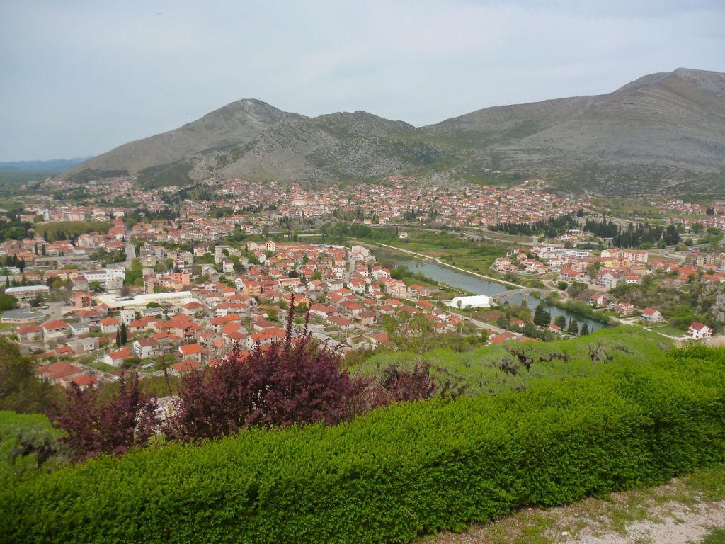 Вид на Требине с холма Црквине. Фото: Елена Арсениевич, CC BY-SA 3.0