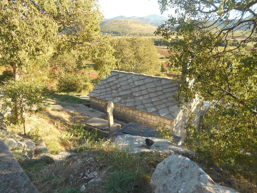 Каменная крыша. Фото: Елена Арсениевич, CC BY-SA 3.0