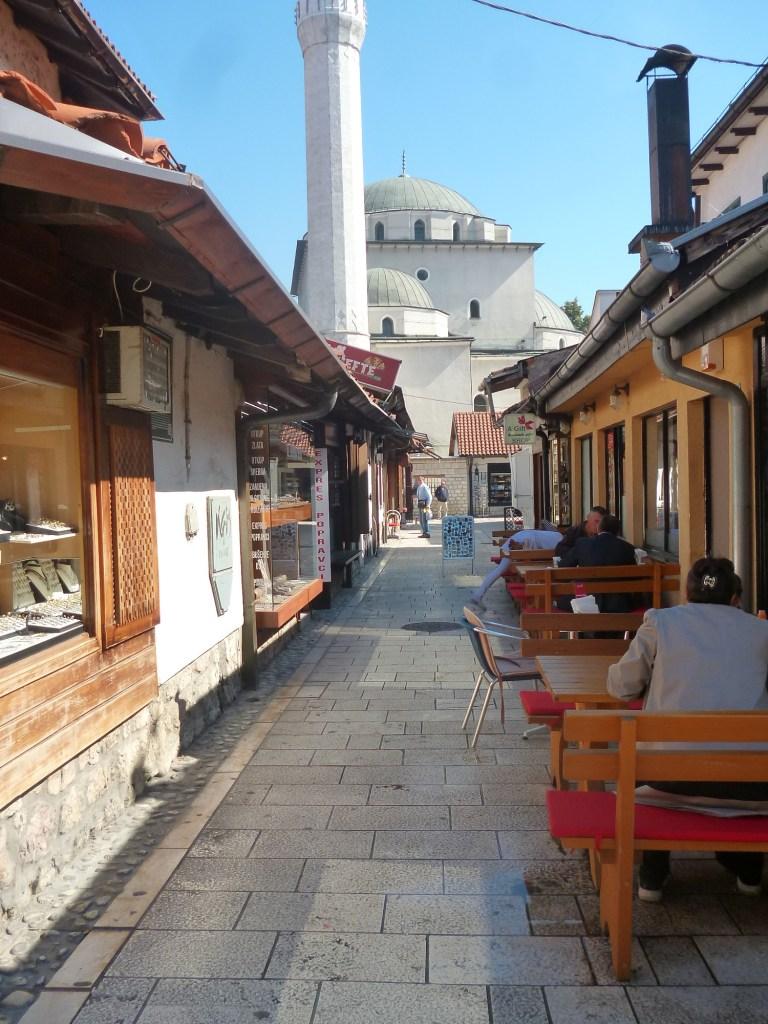 Куюнджилук и Бегова мечеть. Фото: Елена Арсениевич, CC BY-SA 3.0