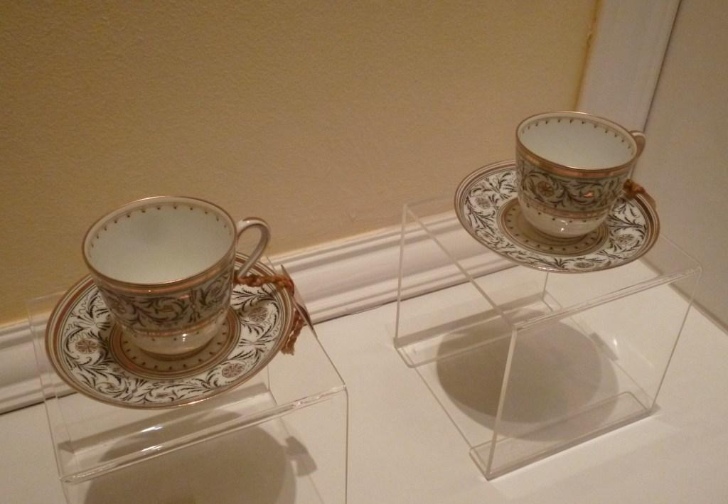 Чашки, из который последний раз пили чай Франц Фердинанд и София. Фото: Елена Арсениевич, CC BY-SA 3.0