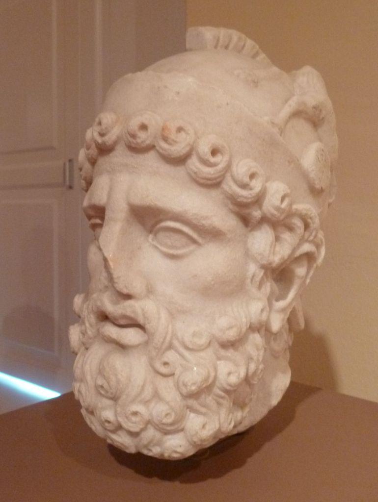 Экспонат из коллекции римской каменной пластики. Фото: Елена Арсениевич, CC BY-SA 3.0