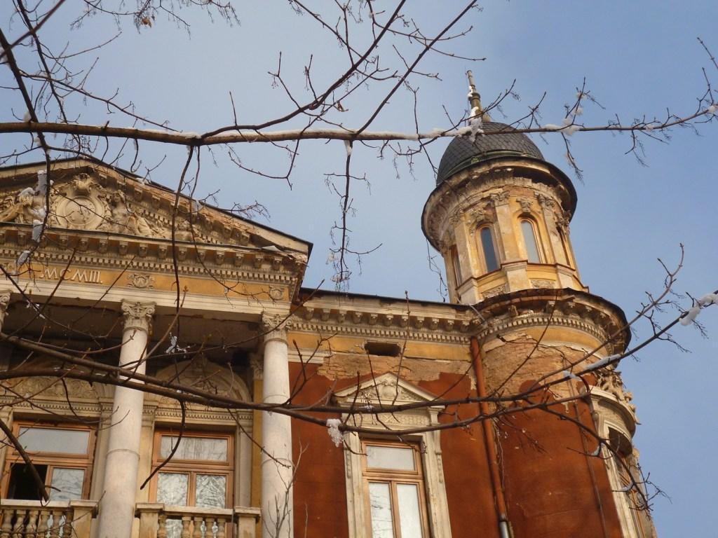 Портик и башенка южного фасада. Фото: Елена Арсениевич, CC BY-SA 3.0