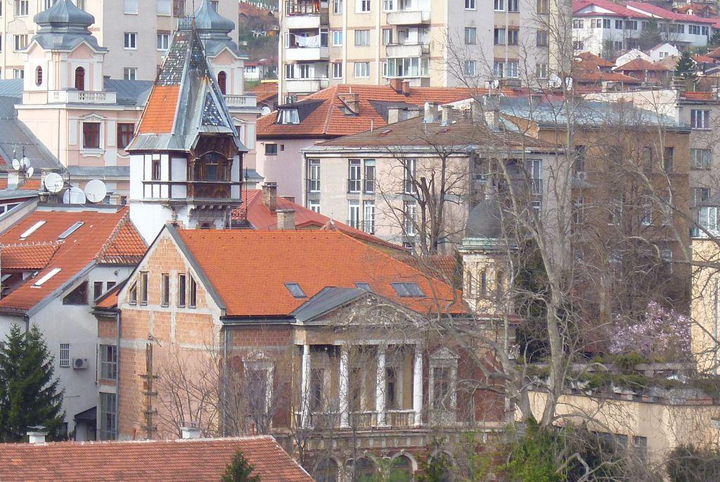 Вид на виллу Мандич со смотровой площадки Hecco. Фото: Елена Арсениевич, CC BY-SA 3.0
