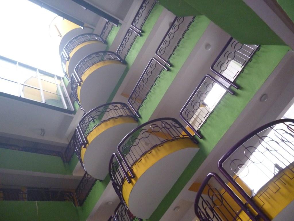 Папагайка, балконы и переходы. Фото: Елена Арсениевич, CC BY-SA 3.0