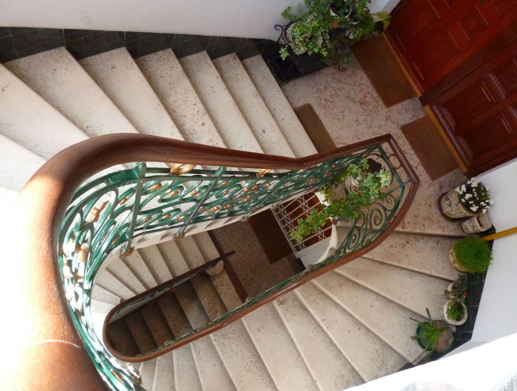 Лестница виллы. Фото: Елена Арсениевич, CC BY-SA 3.0