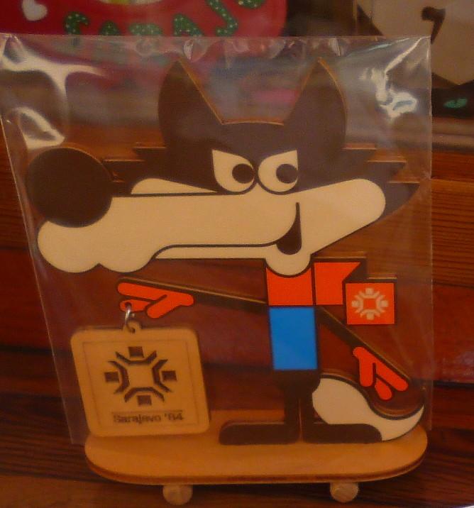 До сих пор в Сараево продаются сувениры с олимпийской символикой. Фото: Елена Арсениевич, CC BY-SA 3.0