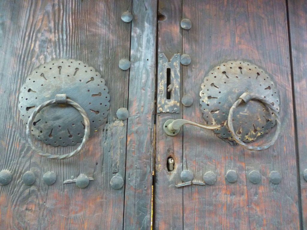 «Пули» на воротах. Фото: Елена Арсениевич, CC BY-SA 3.0