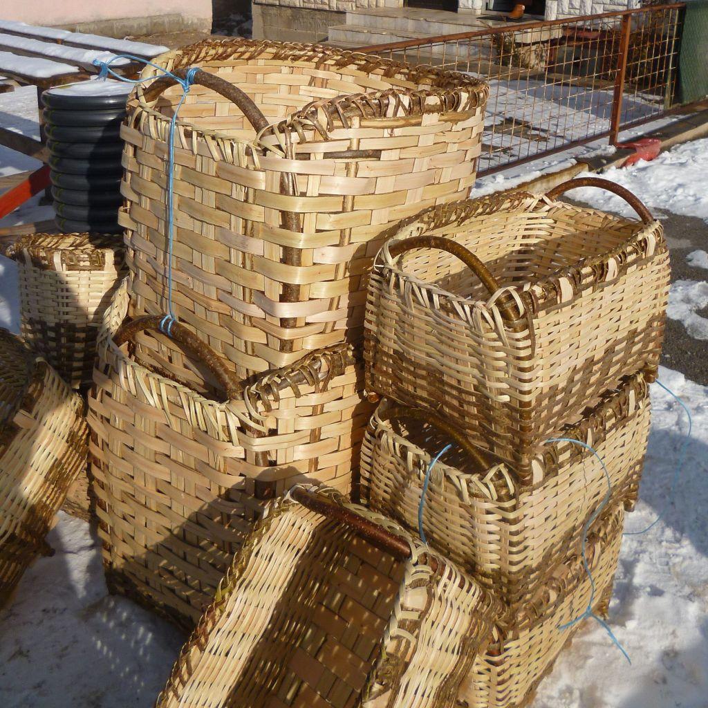 Короба и прочие плетёные изделия. Фото: Елена Арсениевич, CC BY-SA 3.0