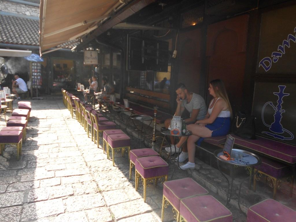Место для любителей кальяна. Фото: Елена Арсениевич, CC BY-SA 3.0