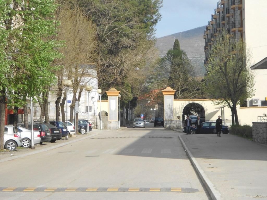 Дубровничские ворота, построенный в австрийский период. Фото: Елена Арсениевич, CC BY-SA 3.0