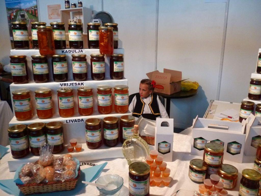 Билечский мёд на ярмарке. Фото: Елена Арсениевич, CC BY-SA 3.0