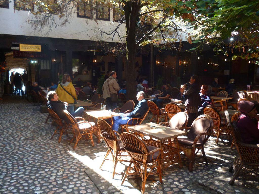 Морича хан. В бывшем постоялом дворе сейчас ресторан. Фото: Елена Арсениевич, CC BY-SA 3.0