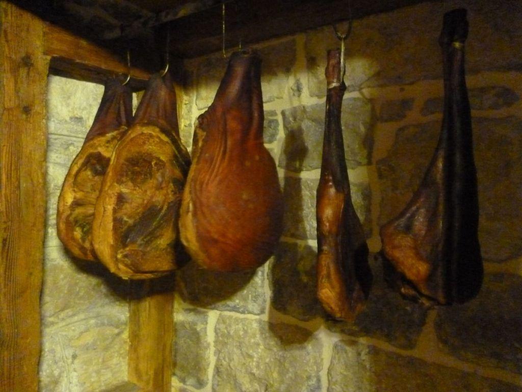 Пршут свиной и бараний. Фото: Елена Арсениевич, CC BY-SA 3.0