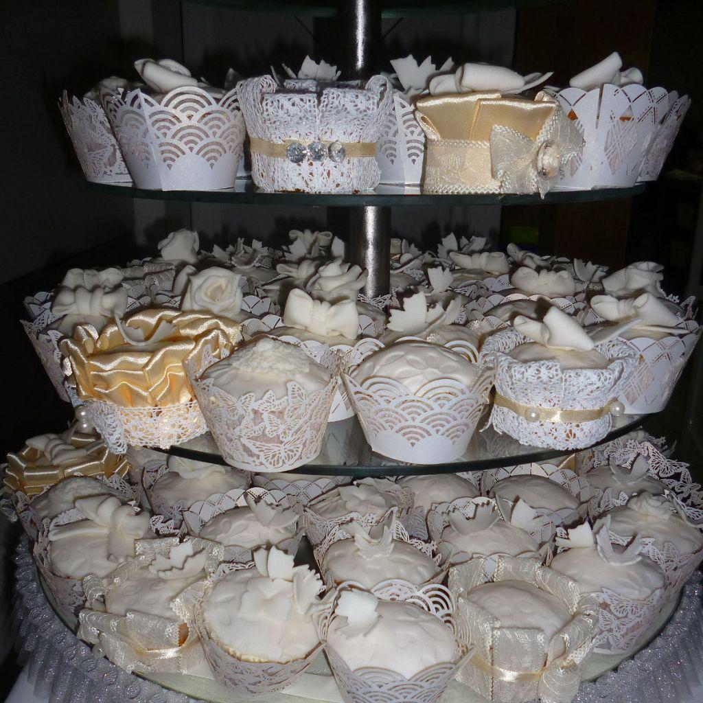 Свадебные пироженки. Фото: Елена Арсениевич, CC BY-SA 3.0