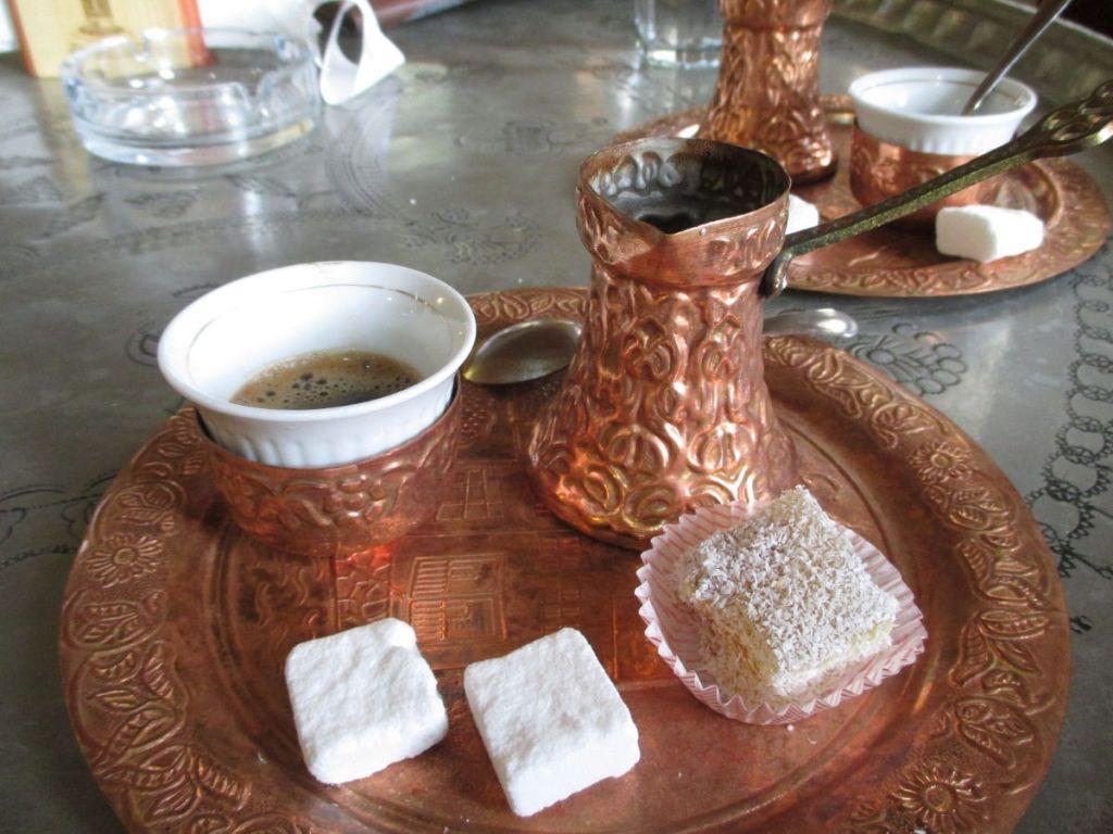Выпить кофе по-боснийски в текии. Фото: Елена Арсениевич, CC BY-SA 3.0